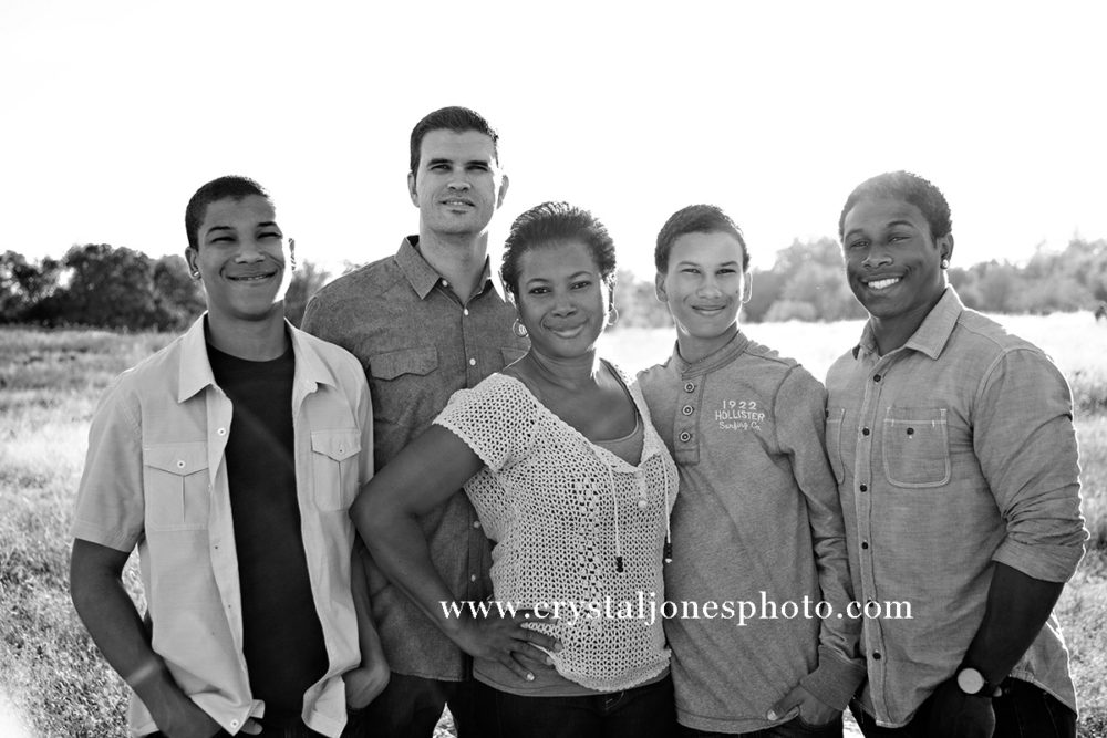 Family portraits at Maidu Park in Roseville CA