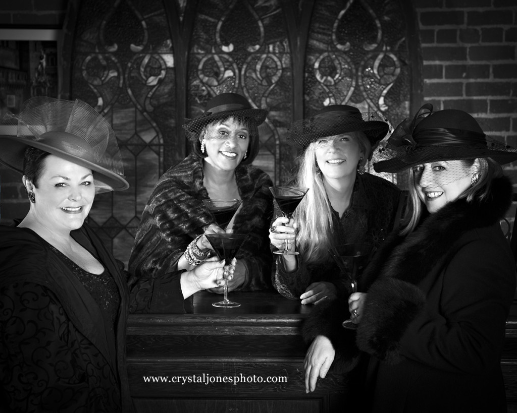 Crystal Jones Photography | glamour shots of best friends at