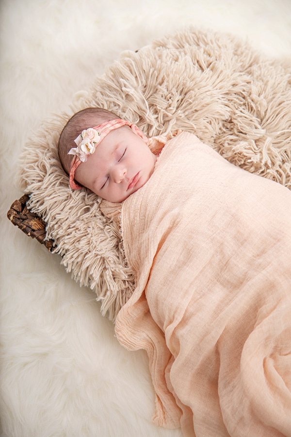 Newborn Baby Girl in Pink 058