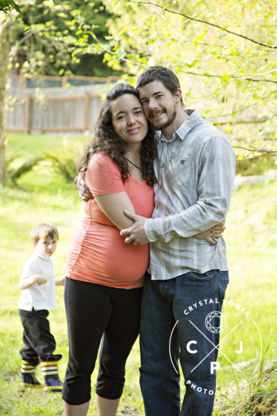 Outdoor maternity photos with sibling