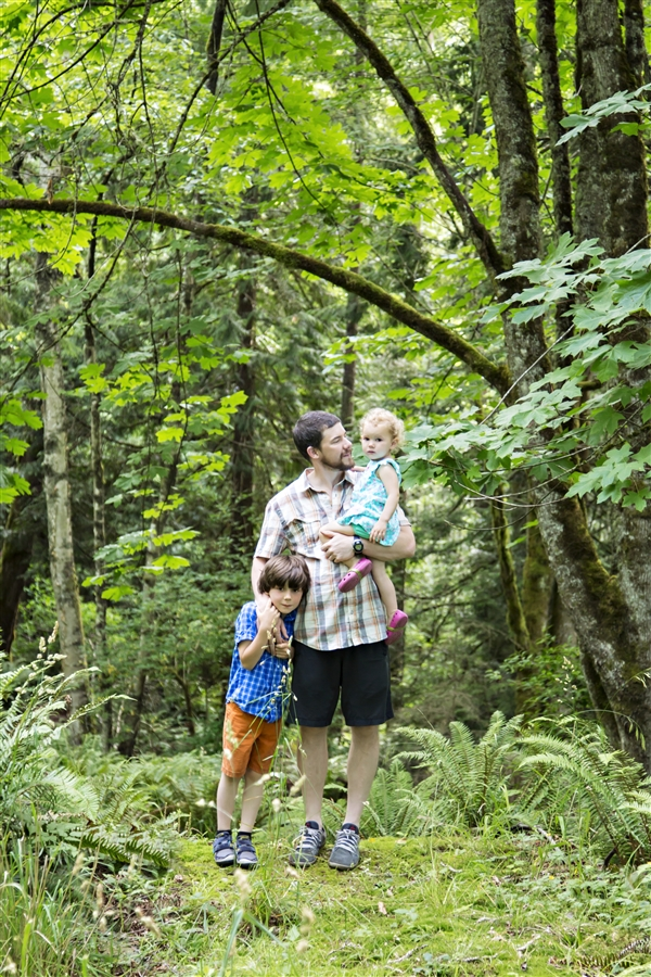 Outdoor lifestyle family portraits