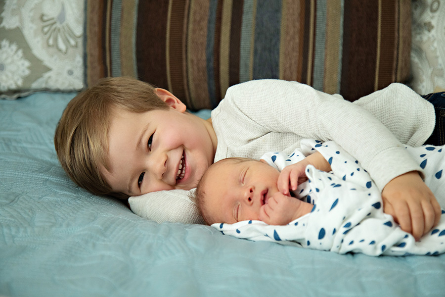 In-Home-Newborn-Session-with-Big-Brother