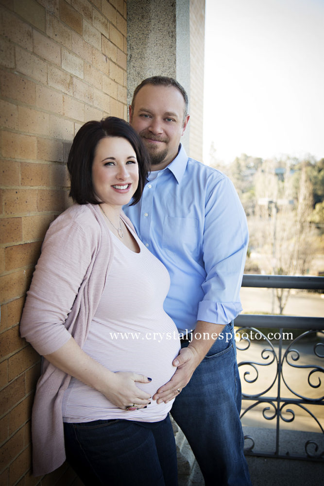 Pregnancy portraits in Downtown Auburn