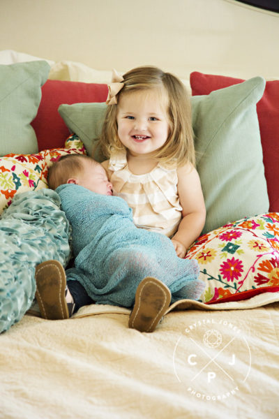 Sibling with newborn lifestyle photo
