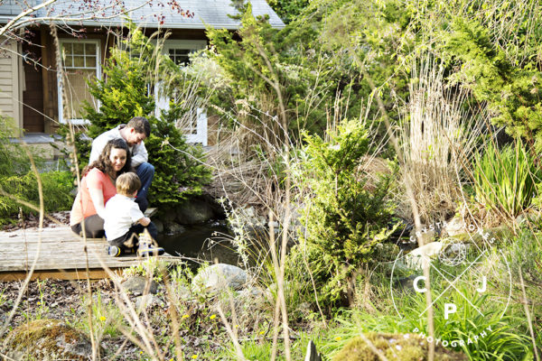 outdoor family maternity p