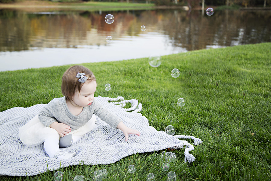 Family Photos at a pond in El Dorado Hills