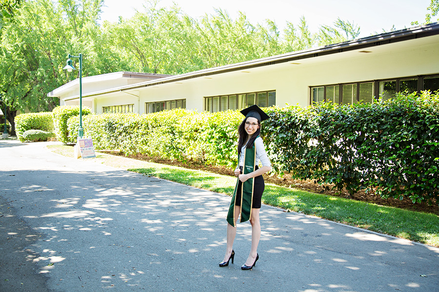 Instagram Worthy Grad Portraits in Sacramento CA