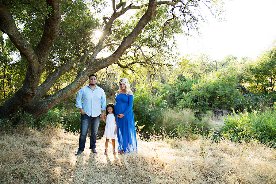 Family Maternity Photos with daughter in Roseville CA