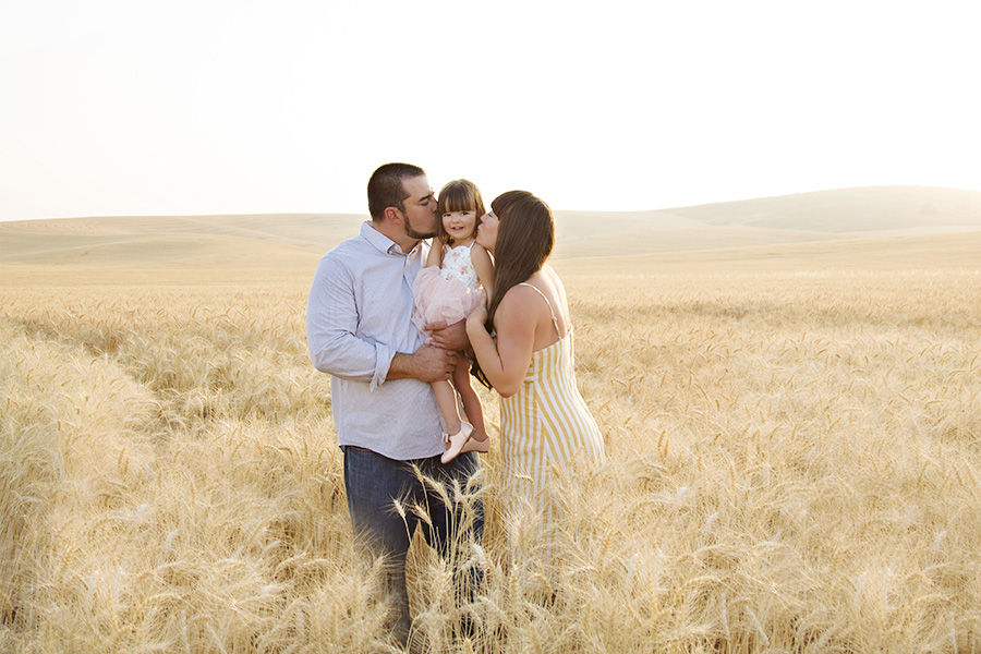 Outdoor Family Photos in a Wheat Field