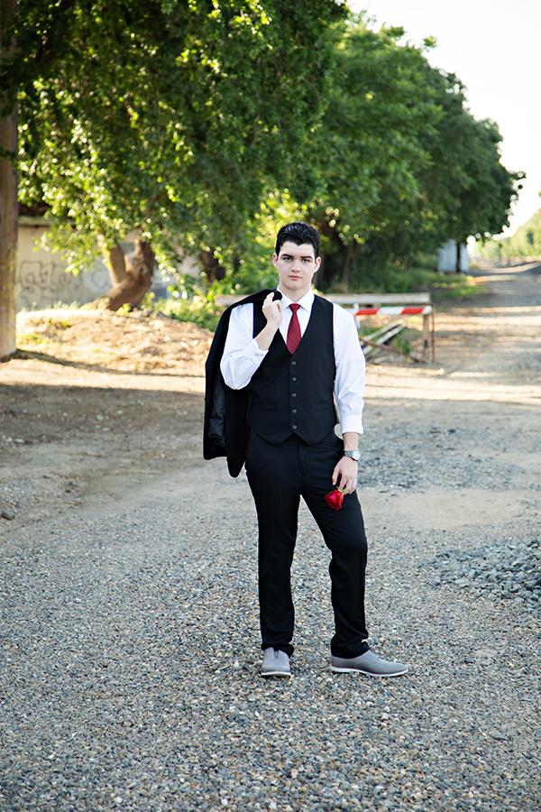 Elk-Grove-High-School-Senior-Portraits